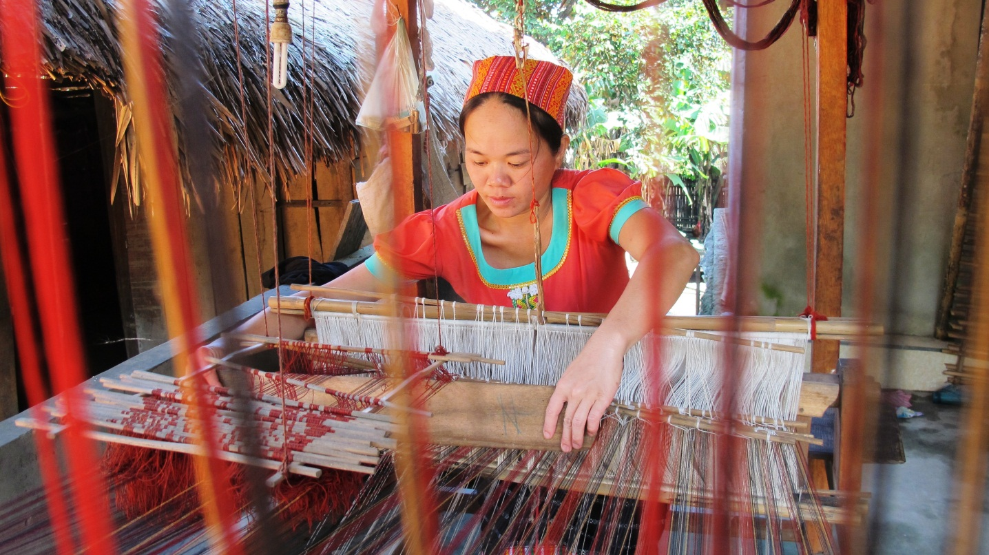 Beautiful textiles in Hoa Tien village