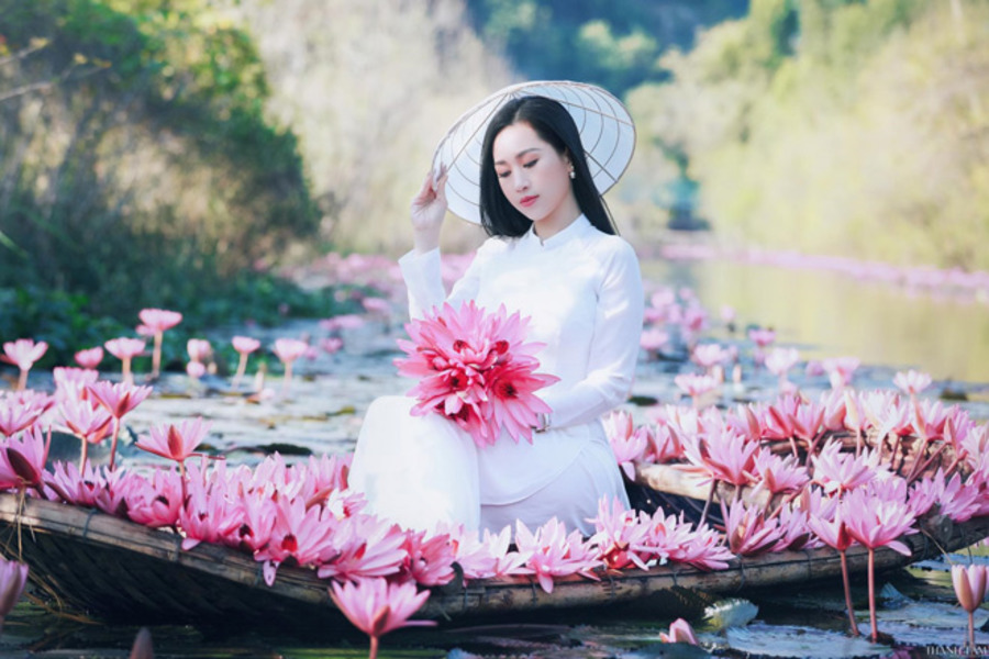 Trach Xa  - The beauty of Vietnamese Ao Dai